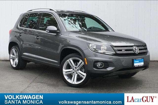 Certified Pre-Owned 2016 Volkswagen Tiguan 2WD 4dr Auto R-Line