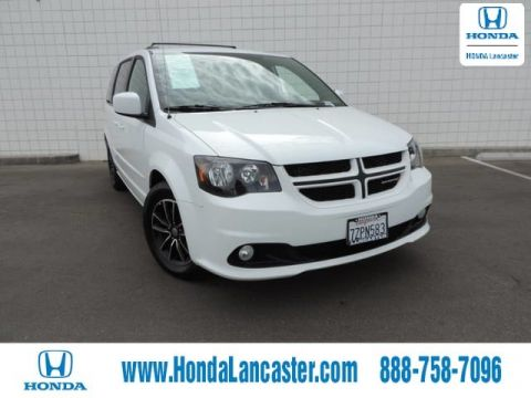 Pre-Owned 2017 Dodge Grand Caravan GT w/Navi